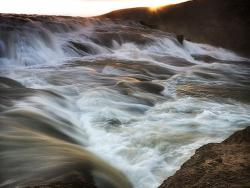 7_0_721_1sunrise_waterfall