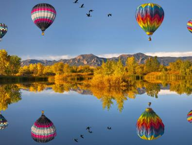 4190088-flying-air-ballons-reflections
